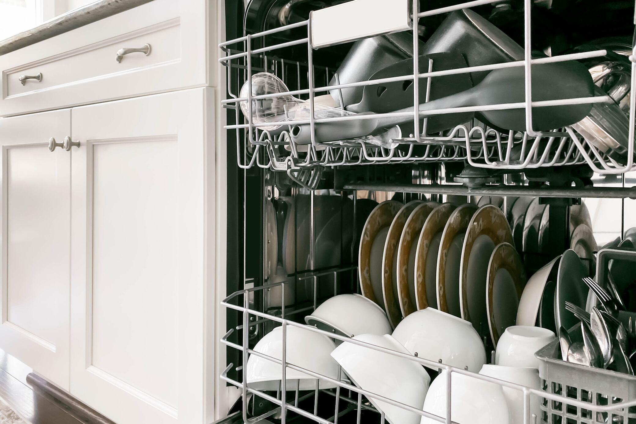 Wie viel Essensreste verträgt eine Spülmaschine?