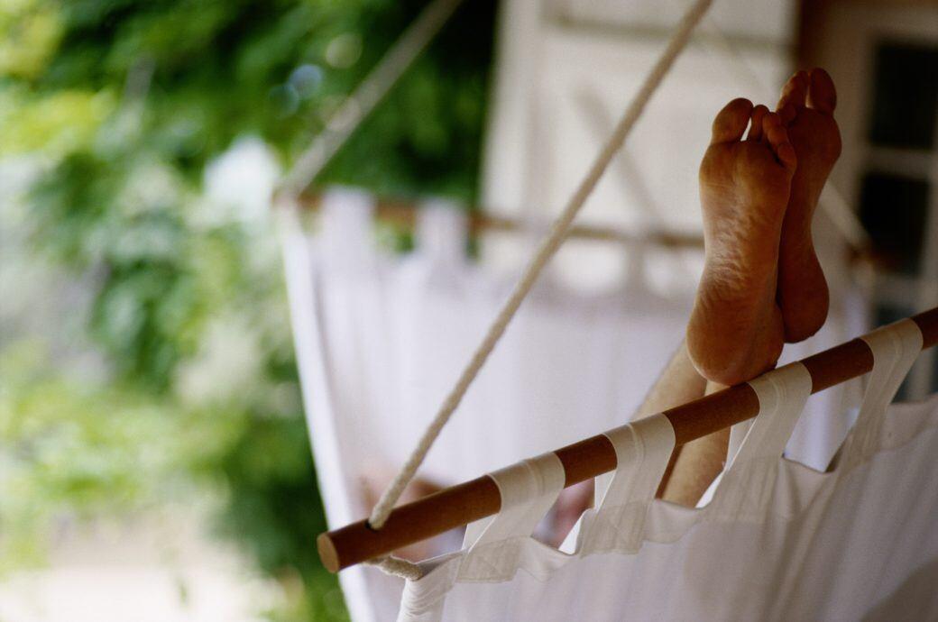 Darf man nackt im eigenen Garten oder auf dem Balkon sein?